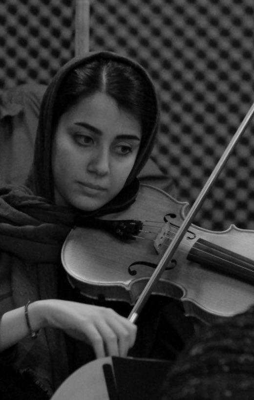 nazanin khosravian